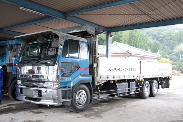 トラック(14t)